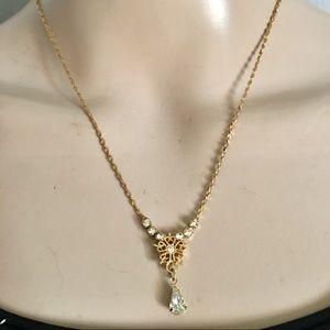 Pretty vintage teardrop necklace